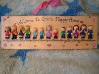 13 CHARACTER LARGE FAMILY OR TEACHER SIGN PLAQUE PEOPLE PETS CAT DOG BIRD ANY PHRASING UNIQUE GIFT
